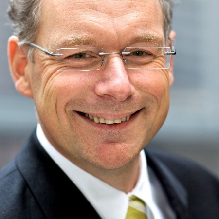 Dr. Carsten-Patrick Meier is managing director and owner of Kiel Economics